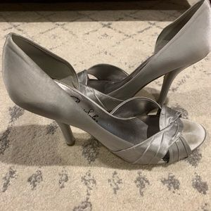 Shoes - Silver metallic bridesmaid shoes